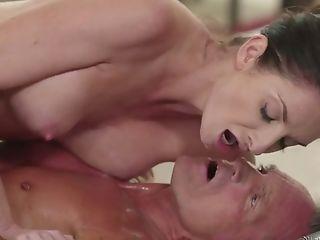 Lovely Bodacious Lady Silvia Saige Turns Rubdown Into Good Rear End Fuck