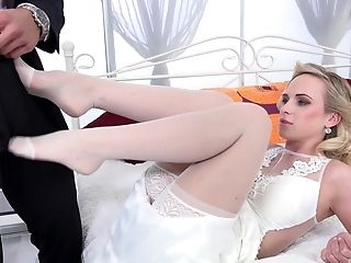 Hard Core Anal Invasion Fucking With Bride To Be Vinna Reed And Her Paramour