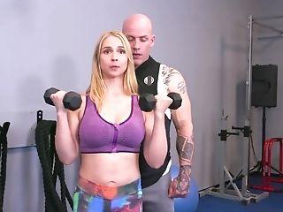 Sarah Vandella Get Shagged In Gym Filf - Sarah Vandella
