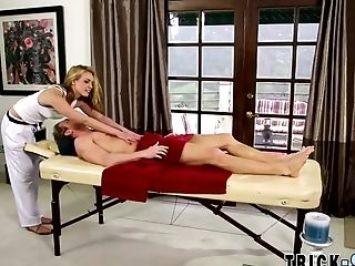 Masseuse Blonde Rails