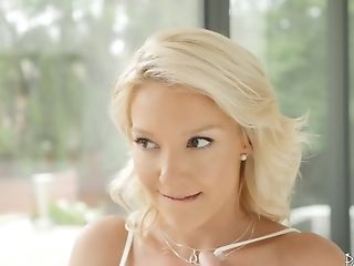 Skinny Laura Bentley Agrees To Fuck With A Stranger Until He Cums