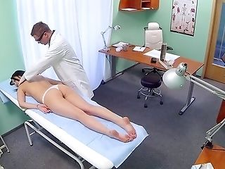 Bashful Dark Haired Concludes Up Getting Laid With Her Physician