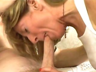 This Bored Housewife Is The Real Deal And She Knows How To Rail A Dick
