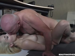 Wild Blonde Assistant Liz Rainbow Takes Off Her Underpants For A Fuck