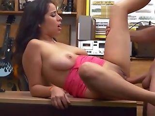 Bigtits Nina Pawn Her Fuckbox For Cash