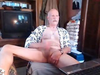 Grand-pa Masturbating