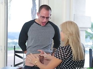 Youthful Canadian Blonde Emma Hix And Her Stepmom Are Fucked By Hot Blooded Student