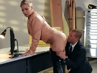 Man Comes To Buxom Chief' Office To Fuck Horny Butted Bitch