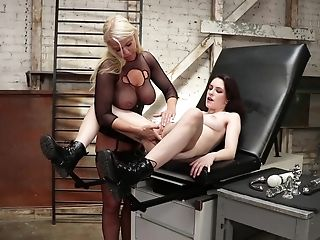 Ass Fucking Teenage Whore Anna De Ville Fisted And Manhandled By London Sea