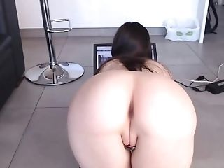 Sexy Round Culo Cock-squeezing Asshole Hairless Cameltoe Cooch Rear End