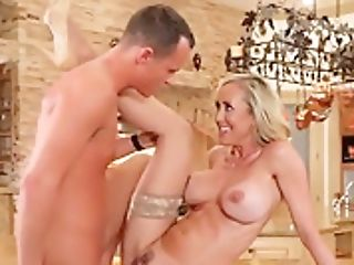 Foxy Cougar Brandi Love Gets Dicked Down By Mailman