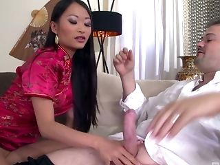 Delicious Asian Beauty Pussykat Is Serving Her Customer Like Nobody Else Before