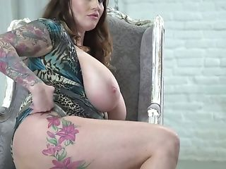 Chubby Thick Boobed Bbw Laura Orsolya Plays With Her Meaty Cunt