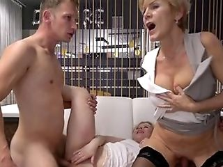 Auntie Shares Dick With The Youthful Niece And Fuck Like Crazy
