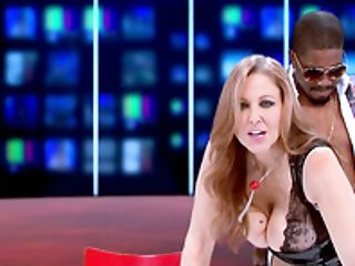 Massive Black Dick For Sexy Milky Porn Industry Star Julia Ann On Live Tv
