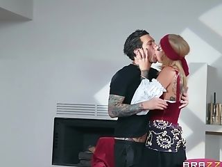 Bonnie Rotten Predicts She Will Have Spunk All Over Her Face