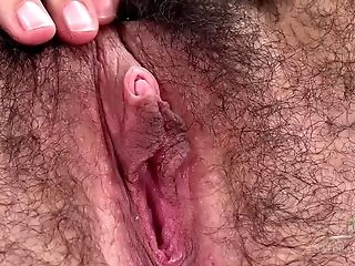 Supah Hairy Cunt On Amater Chick Close Up - Onanism Solo