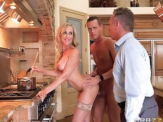Hot Cougar Brandi Love Has Joy With Hunged Lad Justin