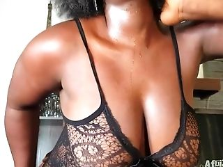 African Supersized Big Beautiful Women From Cameroon