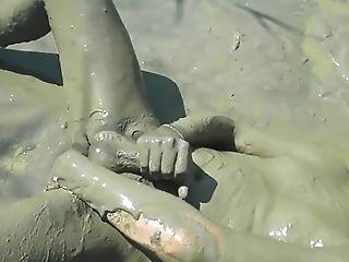 Village girl having nud sex