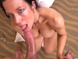 42 Year Old Sport Mummy Gretchen Point Of View Hook-up