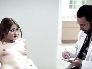 Sweet Honey Gets Her Slit Pounded By Her Super-sexy Doc On The Table