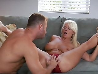 Mind-blowing Dude Satiates Blonde Chief London Sea On Couch