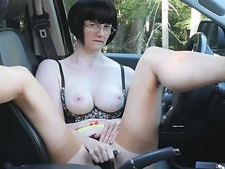 Matures Lady Masturbates In Car At The Side Of The Highway