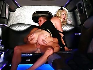 Whorish Blonde Shay Hendrix Is Serving Her Customer In The Limo