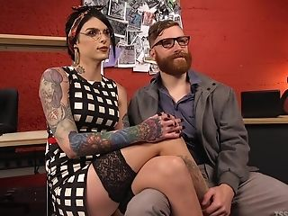 Tranny Chelsea Marie Luvs Foot Job Before Sucking And Hard Fuck-a-thon
