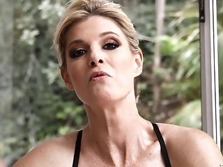 India Summer Get Chatted Into Sucking Every Inch Of A Big Beef Whistle
