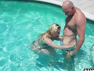Damn Flawless Big Boobed Lady Ryan Conner Gets Fucked Rear End In The Pool