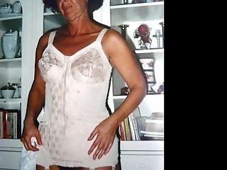 Ilovegranny Fledgling Granny Pictures In Slideshow