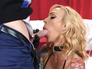 Blonde Gal Is Very Exhilarated And She Wants Her Paramour Now