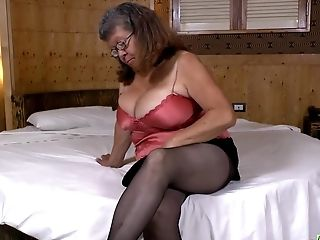 Latinchili Latina Matures Solo Masturbating